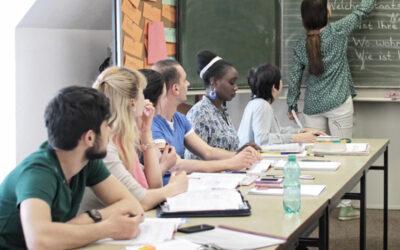 Onlinekurse als alternatives Kursformat in Pandemiezeiten? – Vernetzungstreffen der hessischen EOK-Träger